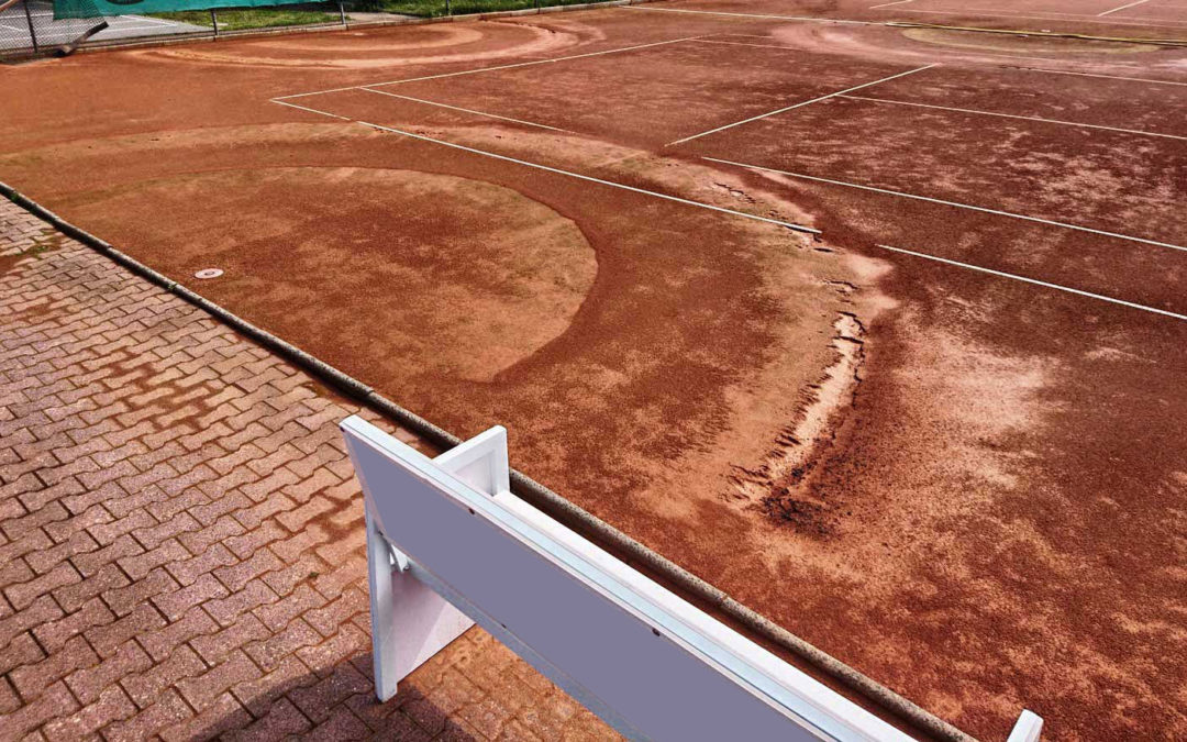 Schäden an Tennisplätzen vermeiden